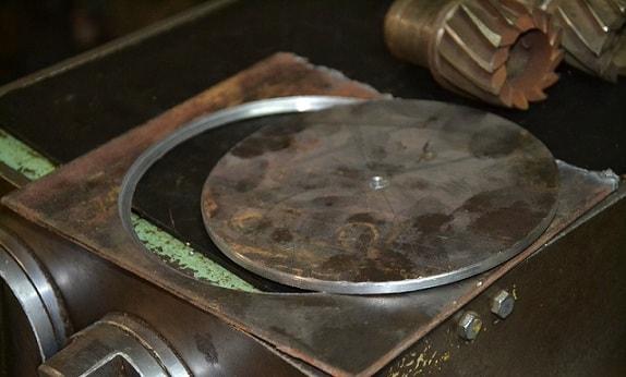 Вырезаем блины из металла